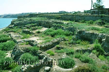 Развалины колонии Гермонасса